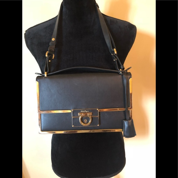 Salvatore ferragamo Black gold trim shoulder bag. M 5bbccd9ff63eea564e521f42 e49d2e3e312cd